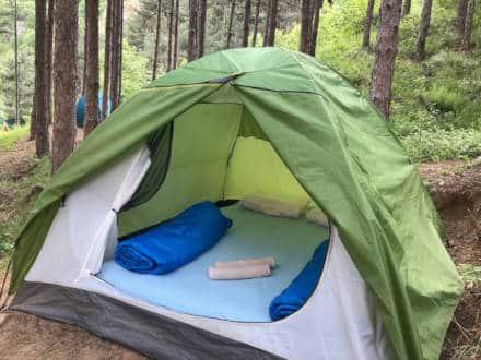 изглед и разположение на двуместна палатка