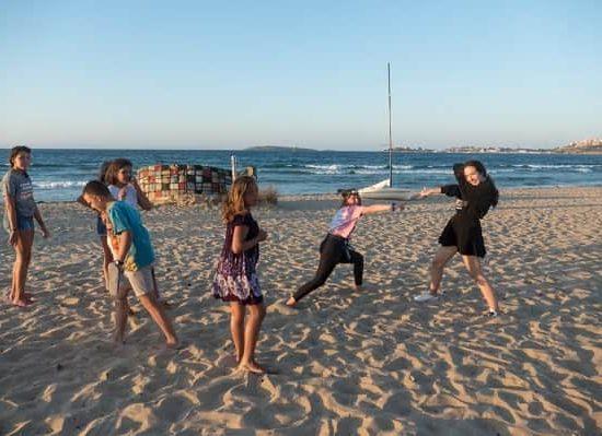 гимнастика по време на морски лагер