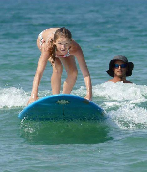 Летен лагер за деца със сърф обучение